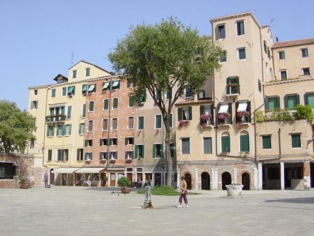 Ghetto_ebraico_di_Venezia_-_Foto_di_Giovanni_Dall'Orto1