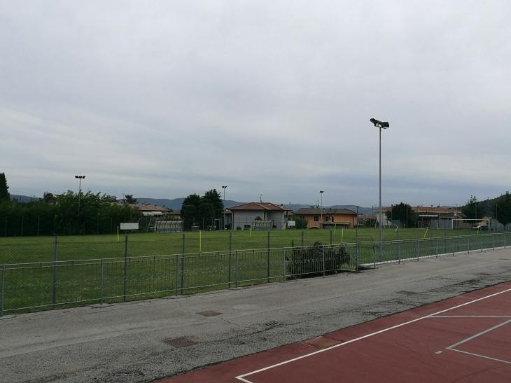 Nuova illuminazione al campo da calcio